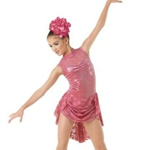Rose lyrical costume
